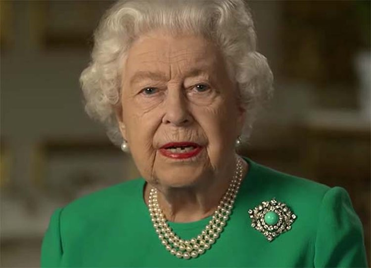 Queen Elizabeth's Historic Turquoise Brooch Symbolizes Healing, Love and Protection